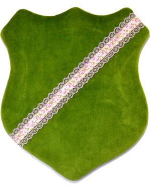 Märkessköld - Mörkgrön med lila spetsband