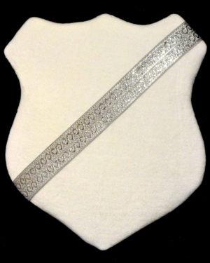 Märkessköld - Vit med silverband