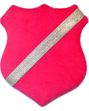 Märkessköld - Mörkrosa med silverband